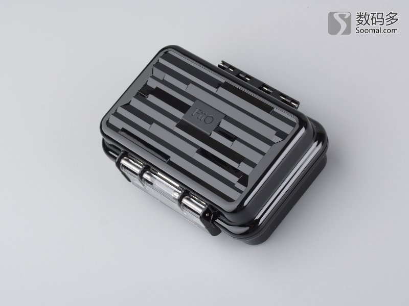 内部动圈,动铁扬声器,分频电路板以及固定单元的结构和声音通道的设计